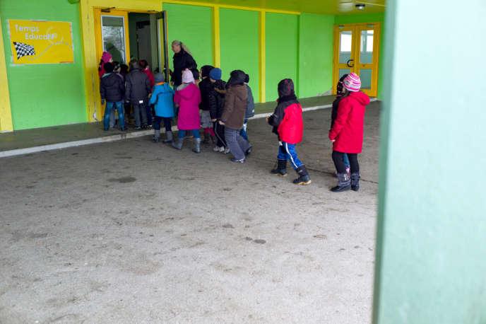 Entre 20 % et 25 % des écoliers bénéficieront des nouveaux rythmes dès 2013, selon le ministère de l'éducation nationale.