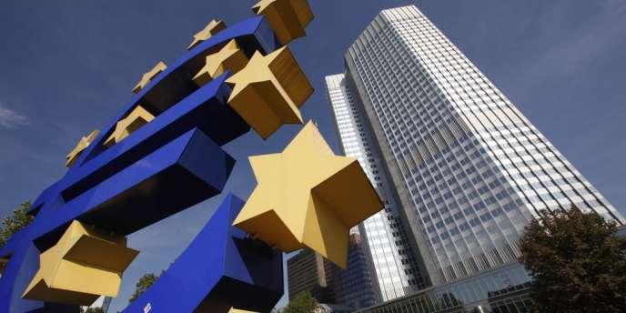 Si le passage en revue des bilans bancaires que mènera la Banque centrale européenne en 2014 révèle que de grands établissements solvables manquent de capitaux et sont incapables d'en lever sur les marchés, les Etats pourront les secourir, sous réserve du feu vert de la Commission.