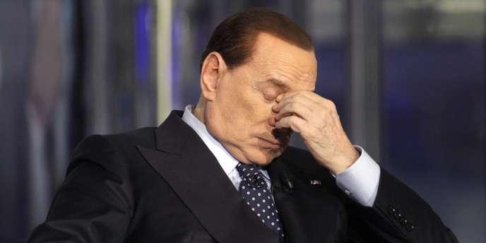 Depuis que l'affaire pour prostitution de mineure et abus de pouvoir a éclaté, en décembre 2010, Silvio Berlusconi a tout fait pour repousser cette échéance judiciaire.