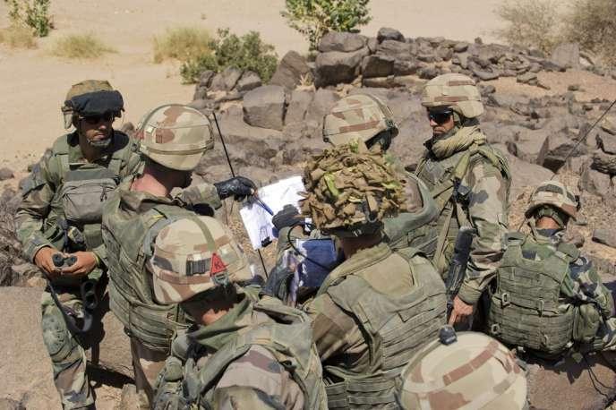 Des légionnaires du 2e REP dans l'Adrar des Ifoghas, le 1er mars.