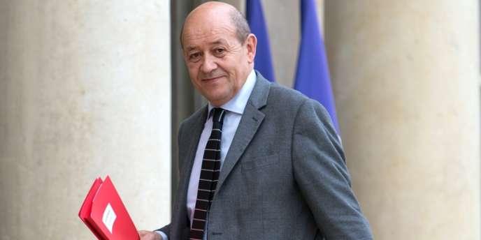 Le ministre de la défense, Jean-Yves Le Drian, le 5 mars à l'Elysée.