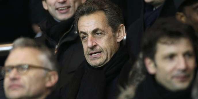Nicolas Sarkozy, le 24 février, au Parc des princes, lors d'un match entre le PSG et l'Olympique de Marseille.