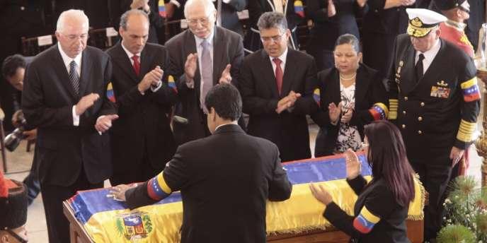 Le président par intérim du Venezuela Nicolas Maduro pendant les funérailles d'Hugo Chavez à Caracas, le 8 mars.