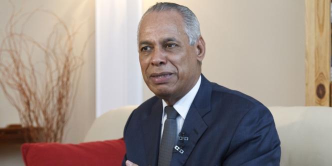 Le ministre des outre-mer, Victorin Lurel s'est dit impressionné par la cérémonie d'hommage à l'ancien président vénézuélien, où il a représenté le gouvernement français.