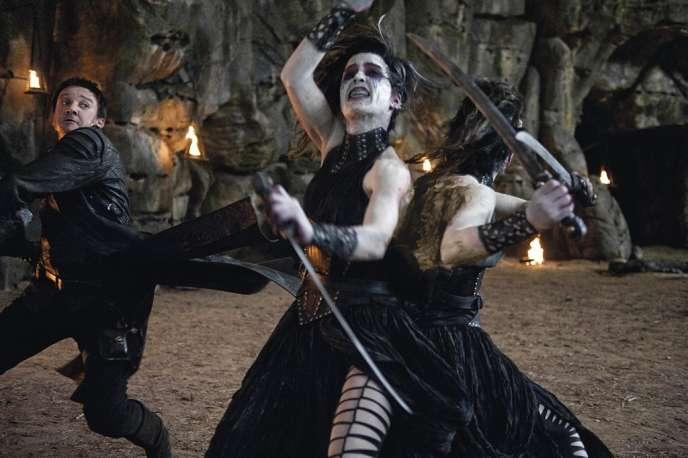 Le cinéma américain, lui, joue la carte du fantastique : devenus adultes, Hansel et Gretel se mettent à chasser les sorcières (