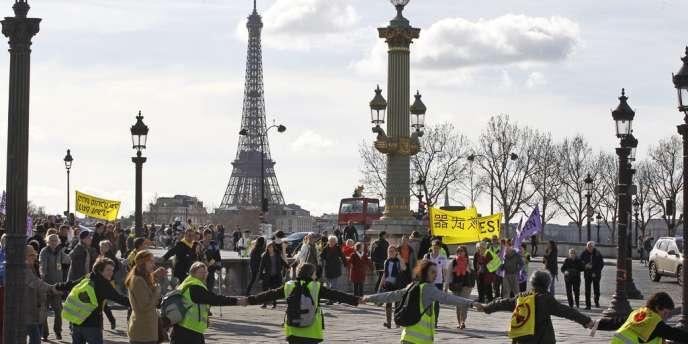 La chaine humaine a rassemblé 20 000 personnes selon les organisateurs, 4 000 selon la police.