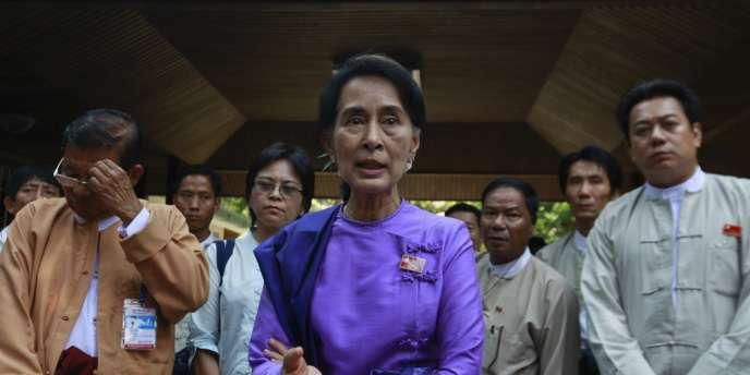 Aung San Suu Kyi a demandé aux délégués de la LND, tiraillée par des