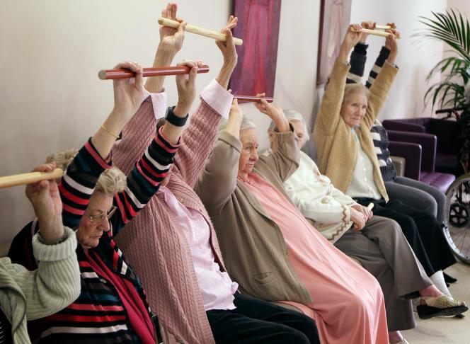 Dans une maison de retraites d'Antibes. Les 75 ans et plus seront deux fois plus nombreux en 2060.