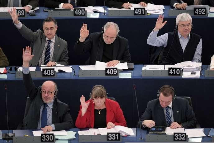 A Strasbourg, 506 parlementaires européens contre 161 ont voté une résolution de