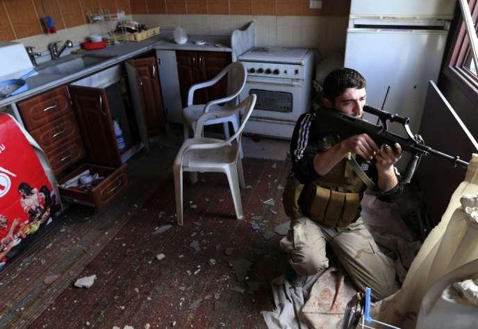 Un combattant rebelle à Damas, en janvier.