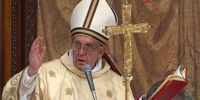 Le pape François a célébré sa première messe publique à la chapelle Sixtine, jeudi 14 mars.