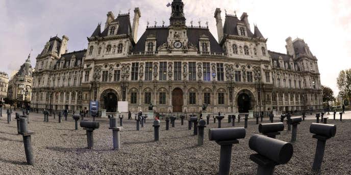 Si vous achetez un logement en vue de le louer à la saison, vous devez obtenir du maire de Paris, après avis du maire d'arrondissement, l'autorisation du changement d'usage (Hôtel de ville de Paris).