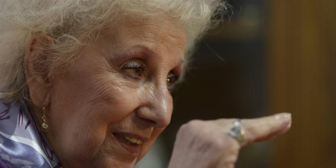 Estela de Carlotto, présidente de l'Association des mères et grands-mères de la Place de Mai, à Buenos Aires, le 15 mars. Elle reproche au pape de ne jamais