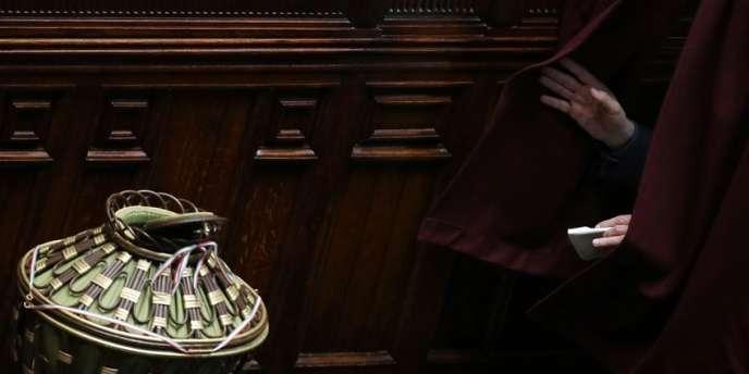 Jour de vote au Parlement italien. Aucun candidat n'a été élu au Sénat, prolongeant la crise politique du pays.