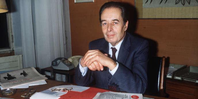 André Fontaine, qui fut successivement reporter, chef de service, rédacteur en chef, éditorialiste, directeur et chroniqueur retraité au