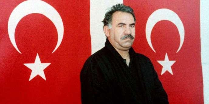 Le chef du PKK, Abdullah Ocalan, le 18février1999, à la prison d'Imrali.