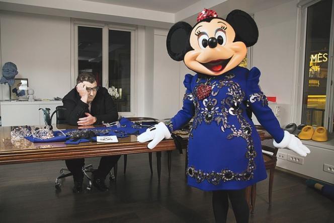 Minnie Mouse et le créateur Alber Elbaz.