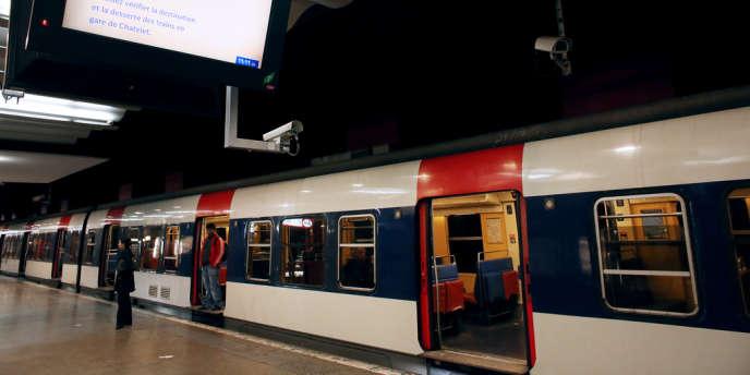 Une rame de RER, gare du Nord à Paris.
