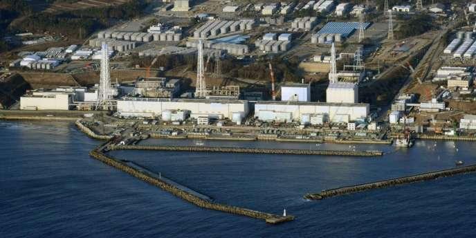 Photographie de la centrale de Fukushima prise le lundi 18 mars 2013.