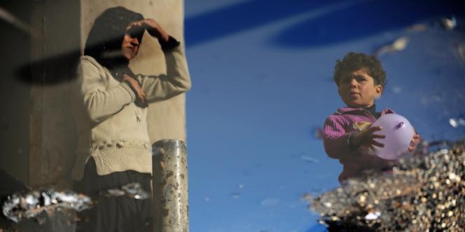 Dans le camp de déplacés de Bab al-Hawa, près de la frontière turque, le 18 mars.