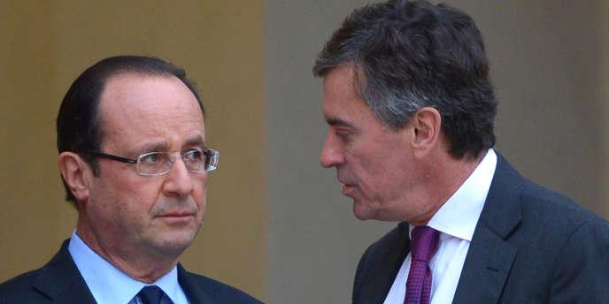 François Hollande et Jérôme Cahuzac, le 4 janvier 2013 à l'Elysée. Le président doit enregistrer une intervention télévisée après le conseil des ministres.