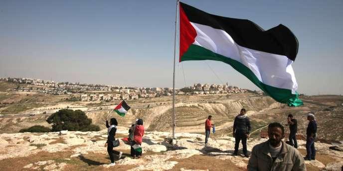 La Maison Blanche a d'ores et déjà a prévenu que Barack Obama ne présenterait aucune initiative de paix à l'occasion de cette visite, au grand dam des Palestiniens.