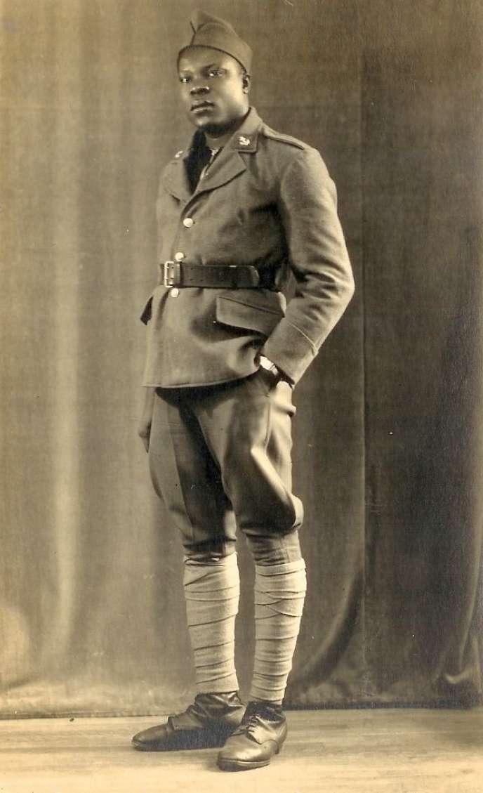 Antoine Abibou prisonnier de guerre en Bretagne. Antoine Abibou a été  condamné à dix ans de détention le 5 mars 1945, par suite de la rébellion  du camp de Thiaroye.