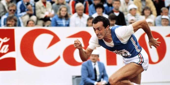 Pietro Mennea sur l'épreuve du 200 m aux championnats du monde à Prague en 1983.