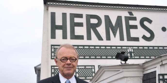 Patrick Thomas, cogérant du groupe de luxe depuis 2004, puis gérant depuis 2006, a officiellement passé le témoin à Axel Dumas, membre de la sixième génération de la famille.