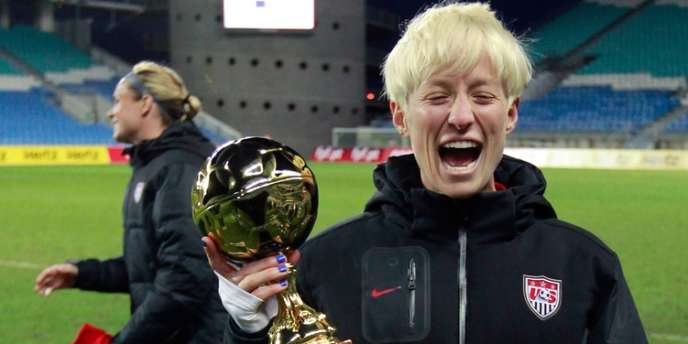 Megan Rapinoe élue meilleure joueuse de la Coupe Algarve le 13 mars à Faro au Portugal.