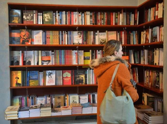La Roumanie est l'invitée d'honneur du Salon du livre, jusqu'au 25 mars. Ici, une librairie à Bucarest, le 21 mars 2013.