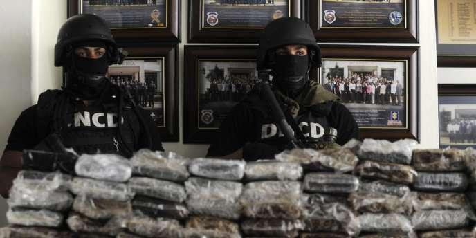 Les autorités dominicaines ont saisi 680 kilos de cocaïne en partance pour la France et arrêté 35 personnes, dont quatre ressortissants français liés à ce trafic.