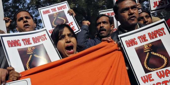 Une manifestation pour la peine de mort en cas de viol, le 29 décembre à New Delhi.
