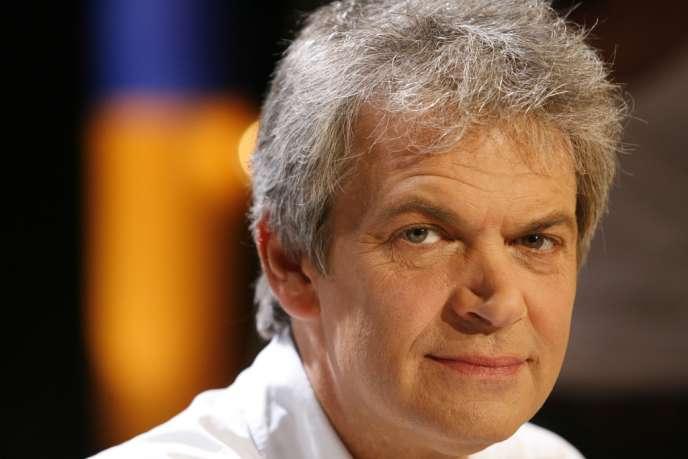 L'éditeur et écrivain Jean-Marc Roberts, patron des éditions Stock, est décédé le 25 mars, à l'âge de 58 ans.