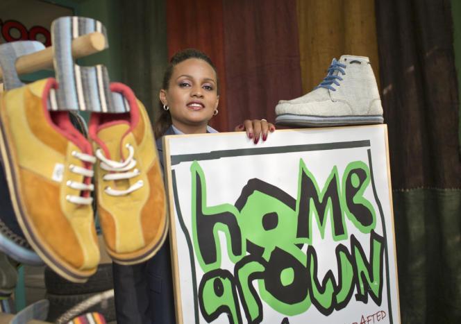 Bethlehem Alemu, créatrice de la marque de chaussures SoleRebels, dans son magasin à Addis-Abeba.