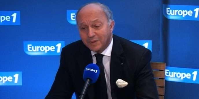 Laurent Fabius, ministre des affaires étrangères, sur Europe 1 le 25 mars