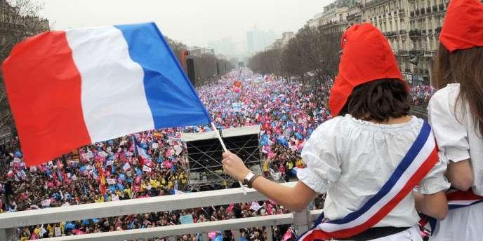 Après une nouvelle forte mobilisation contre le projet de loi, l'entourage de François Hollande assure que