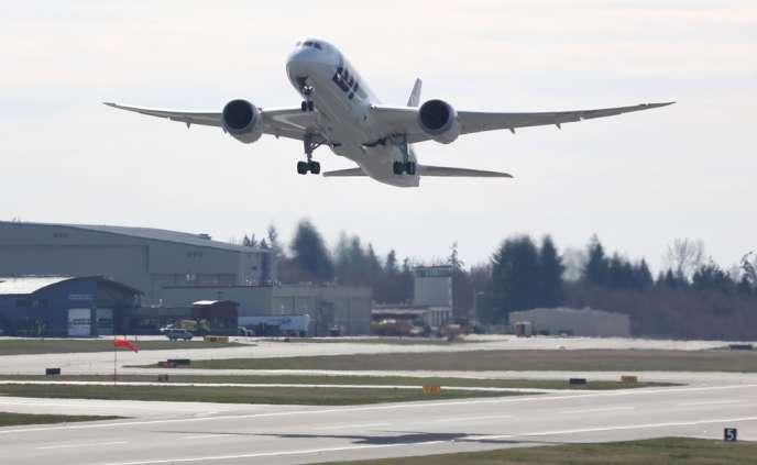 Les autorités de régulation à travers le monde ont cloué au sol en janvier les 50 Dreamliners en circulation après deux incidents, l'un à l'aéroport de Boston, l'autre au cours d'un vol au Japon.