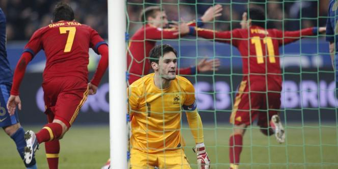 Battu par Pedro, Lloris n'a rien pu faire sur le seul but de la rencontre. Stade de France, le 26 mars.