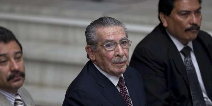 Tribunal de la Cour suprême de Guatemala, lundi 25 mars 2013. L'ancien général dictateur Efrain Rios Montt lors des audiences des témoins de massacres de Mayas.