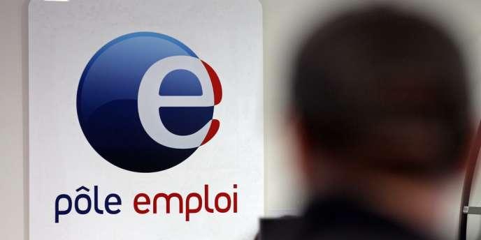 Samedi, le ministre du travail François Rebsamen avait reconnu « un échec » en matière d'emploi : depuis l'élection de François Hollande plus de 500 000 nouveaux demandeurs d'emploi sans activité ont poussé la porte de Pôle emploi.
