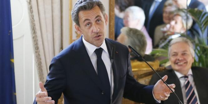 Nicolas Sarkozy est désigné comme responsable de la récession par les socialistes, aussi bien en 2008 qu'en 2013.