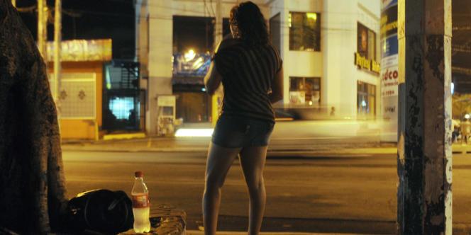 Les prostituées du quartier des Pâquis à Genève sont parties en guerre contre les propriétaires de leurs chambres ou appartements, dénonçant leurs pratiques abusives.