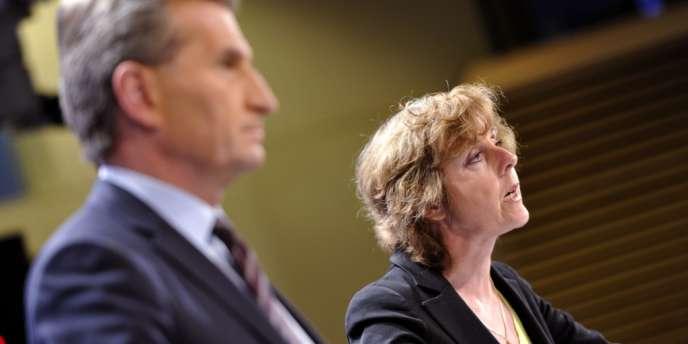Günther Oettinger et Connie Hedegaard, le 27 mars à Bruxelles.
