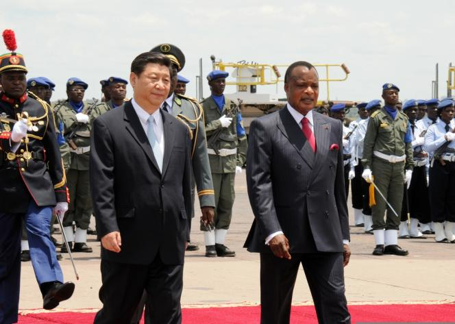Denis Sassou Nguesso (à droite) accueille Xi Jinping, le 29 mars à Brazzaville.