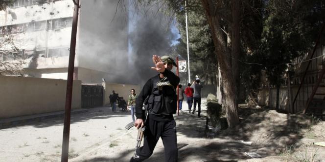 Les tests ont été conduits au département de recherche chimique et biologique du ministère de la défense britannique sur un échantillon de terre prélevé dans une zone proche de Damas.
