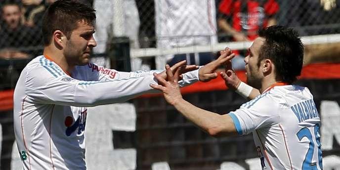 André-Pierre Gignac et Mathieu Valbuena, artisans de la victoire de Marseille à Nice, dimanche 31 mars.