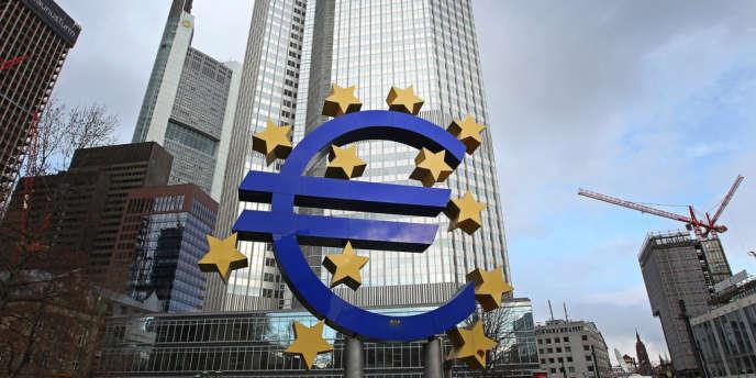 La politique de taux bas pratiquée par la Banque centrale européenne et les liquidités dont elle a inondé les établissements financiers ne se sont pas traduites en prêts abondants dans les pays les plus fragiles.