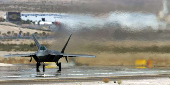 Les F-22 américains sont des chasseurs furtifs de dernière génération.