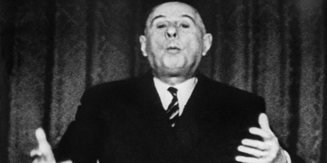 Le général de Gaulle lors de son allocution télévisée du 11 décembre 1965.